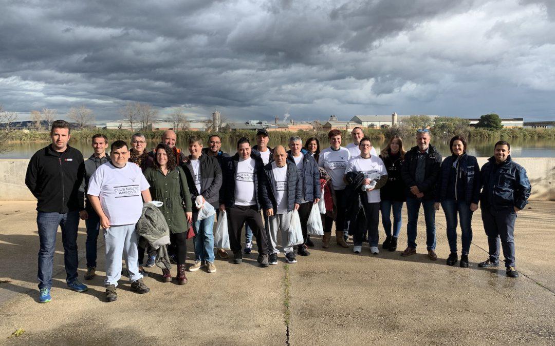Rebem la Samarreta Commemorativa del 70è Aniversari del Club Nàutic Amposta