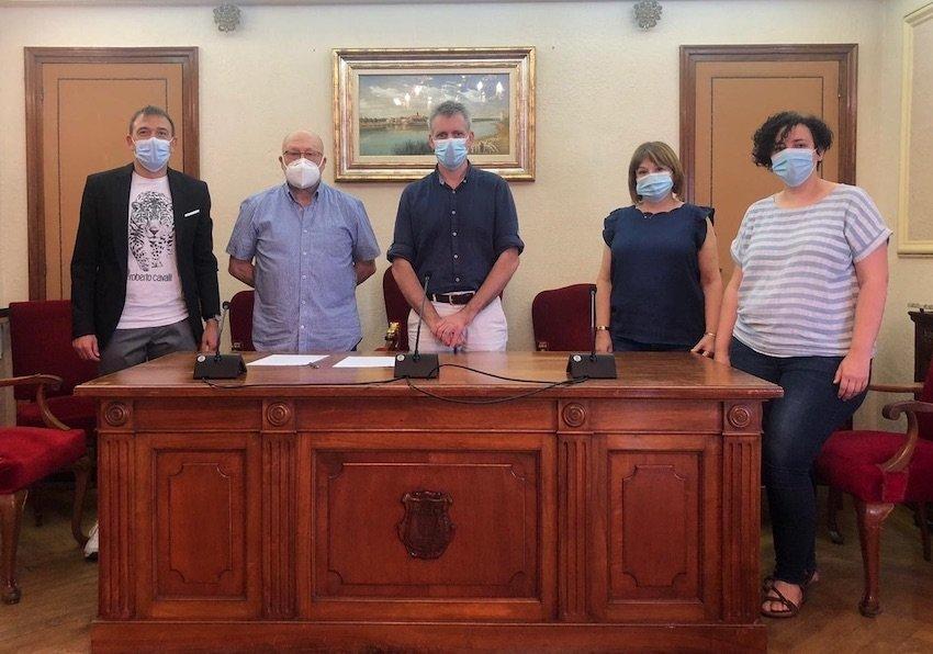 #ApasaTotAniràBé – Signem el Conveni de Col·laboració amb  l'Ajuntament d'Amposta  i Rebem un Ajut Extraordinari