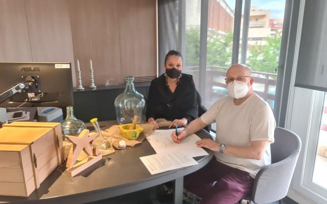 """#ApasaTotAniràBé – Signem Conveni amb """"Fundació la Caixa"""""""